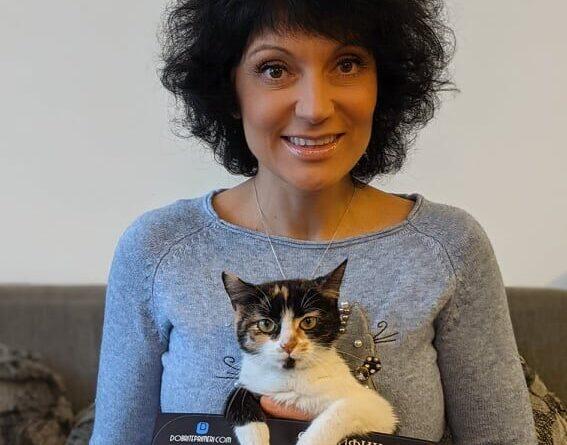 Лилия Стоянова – жената отдала живота си да спасява животни